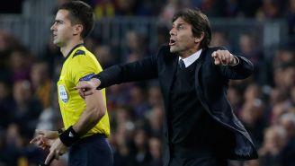 Conte da indicaciones en juego del Chelsea