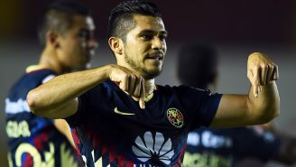 Henry Martín festeja su gol contra Tauro