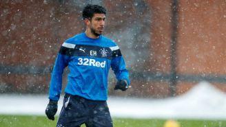 Eduardo Herrera observa el terreno de juego en entrenamiento del Rangers