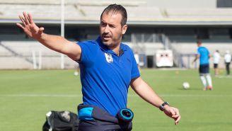 Beltrán, durante su etapa como director deportivo de Gallos