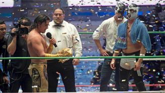 Ángel de Oro entrega máscara a Cuatrero