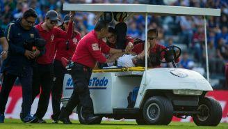 Alejandro Arribas abandona el terreno de juego del Azul