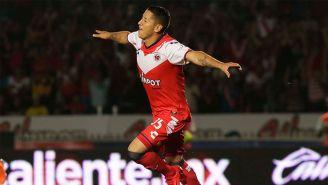 Esquivel celebra una anotación en el Clausura 2018