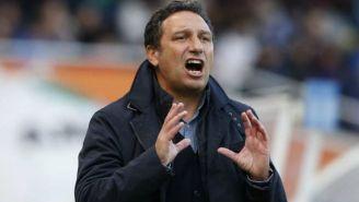 Eusebio Sacristán lanza un grito en un juego de la Real Sociedad
