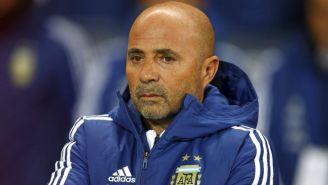 Jorge Sampaoli mira serio el encuentro amistoso de Argentina frente a Italia