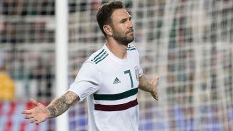 Miguel Layún celebra uno de sus dos goles frente a Islandia