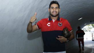 Daniel Villalva sonríe en el tunel del Estadio Luis Pirata Fuente