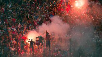 Aficionados de Veracruz durante un partido en el Pirata