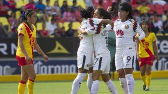 Festejo de uno de los goles del América Femenil vs Morelia