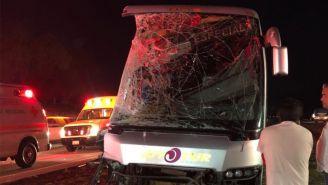 Los Tiburones Rojos sufrieron un accidente viajando en autobús