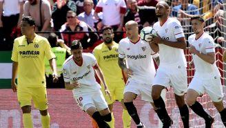 Jugadores del Sevilla celebran un tanto vs Villarreal
