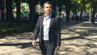 Pável Pardo camina por las calles de la CDMX