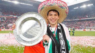 Lozano celebra el título de Eredivisie con PSV