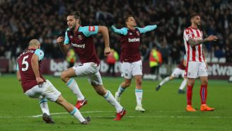 West Ham, en festejo tras anotar frente al Stoke City