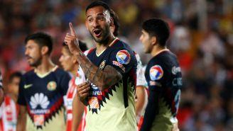 Emmanuel Aguilera festeja gol frente al Necaxa