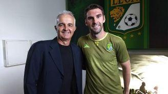 Boselli sonríe junto a Milton Queiroz, 'Tita'