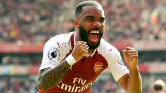 Alexandre Lacazette festeja gol con el Arsenal