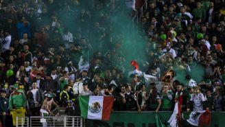 Afición de México en el partido contra Islandia