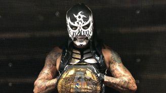 Pentagón Jr. con el cetro de Campeón Mundial de Impact