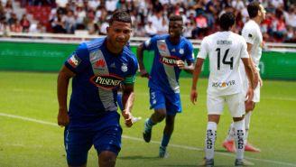 Jorge Guagua, durante un juego con el Emelec