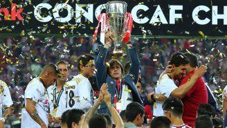 Almeyda levanta el título de la Concachampions