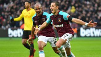Chicharito celebra un gol con West Ham