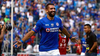 Martín Cauteruccio festeja gol con Cruz Azul