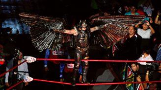 Rey Mysterio muestra si indumentaria en Triplemania XXIII