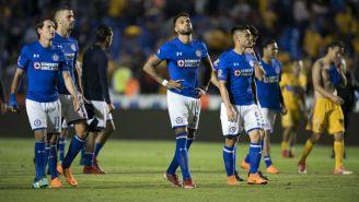 Jugadores del Cruz Azul se lamentan tras el partido contra Tigres