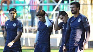 Pulido, Brizuela, Pérez y Alanís, durante un entrenamiento de Chivas