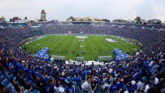 La cancha del Estadio Azul durante su despedida