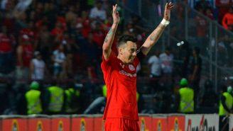 Sambueza celebra un gol con Toluca