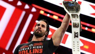 Seth Rollins levanta el título intercontinental