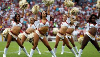 Porristas de Redskins alentando a su equipo