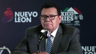 Fernando Valenzuela habla en conferencia de prensa