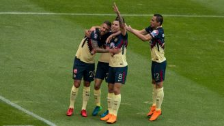 América festeja gol de Mateus Uribe frente a Pumas