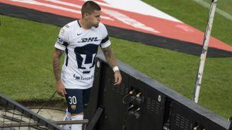 Nico Castillo abandona el Estadio Azteca