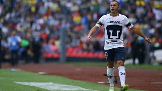 El volante chileno de Pumas afirmó que fueron perjudicados todo el torneo por los árbitros