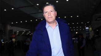 Ricardo Peláez, en su llegada al Aeropuerto Internacional de la CDMX