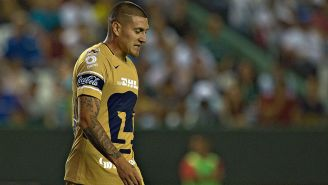 Nicolás Castillo se lamenta durante un juego con Pumas en el C2018