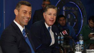Caixinha y Peláez, durante la conferencia de prensa