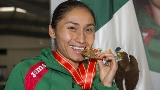 Lupita luce su medalla de Oro