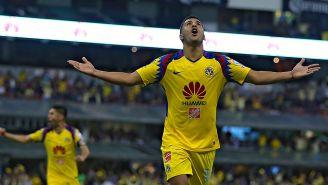Cecilio Domínguez festeja un gol del América