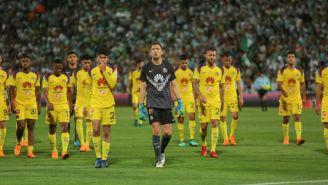 Jugadores del América tras el duelo de Ida contra Santos Laguna