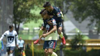 Ricardo Marín festeja su gol contra Pumas Sub 20