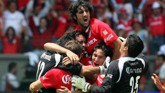 Festejo de los jugadores del Toluca tras conquistar el título