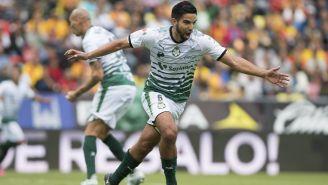 Diego de Buen festeja una anotación con Santos en el 2017