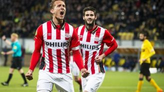 Luuk de Jong festeja un gol con PSV
