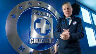 Pelaez, durante su presentación como director deportivo de Cruz Azul