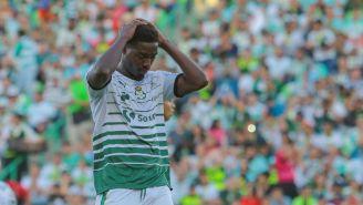 Tavares se lamenta tras haber fallado opción de gol